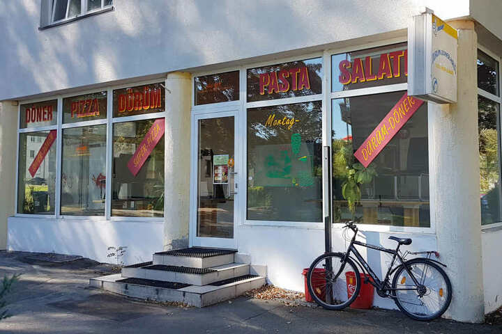 Drei Chemnitzerinnen bekamen vergammelten Thunfisch-Salat serviert.