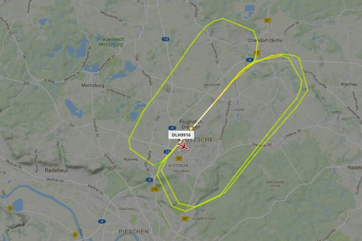 Bei Flightradar ist zu sehen, wie die Maschine Runden am Dresdner Himmel flog.