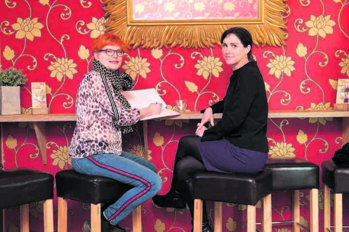 MOPO-Redakteurin Katrin Koch im Gespräch mit Sachsens First Lady Annett Hofmann.