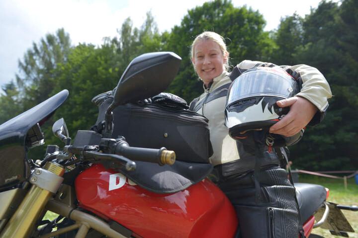 Tolle Atmosphäre - und gleich um die Ecke: Isabel Zenker (30) schaute mit ihrer Ducati vorbei.