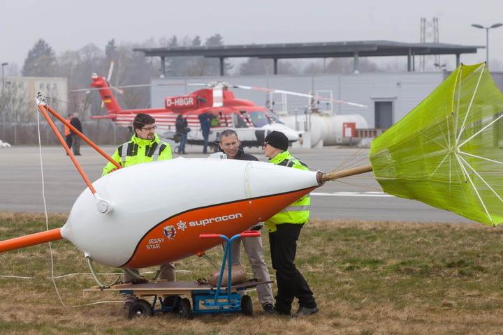 Die Sonde wird an einem 30 Meter langem Seil am Helikopter hängen.