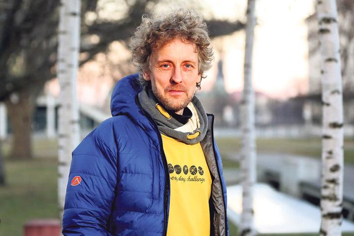 Stadtrat Torsten Schulze (Grüne, 47) hofft auf private Investoren, welche das  Sachsenbad sanieren sollen.
