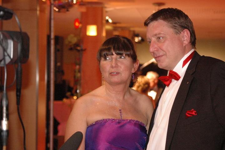 Kerstin Nicolaus (CDU) und Mario Pecher (SPD) sind seit knapp zehn Jahren ein  Paar und seit über zwei Jahren verheiratet.