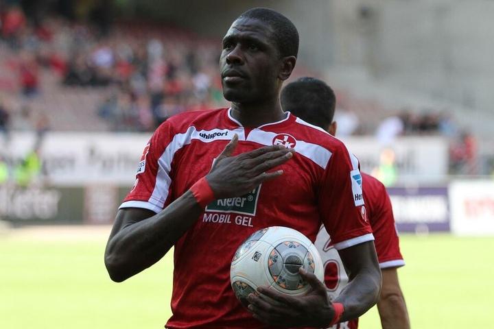 Idrissou im Dress des 1. FC Kaiserslautern.