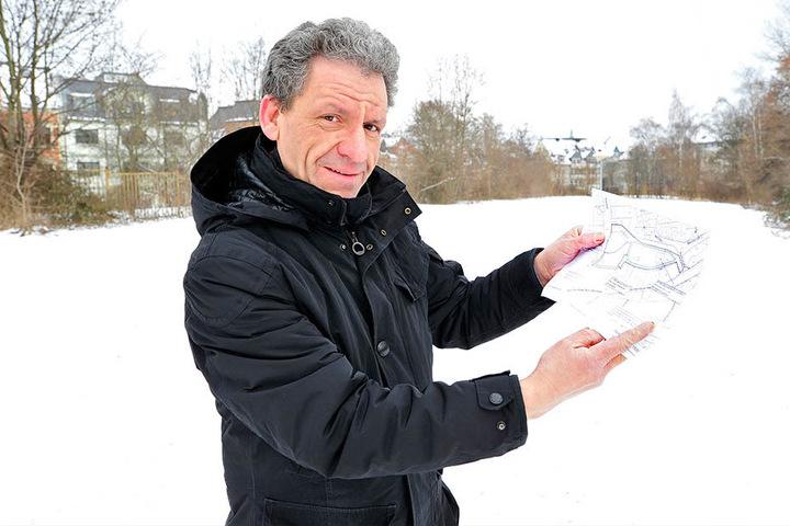 Hier soll der Park entstehen: Stadtsprecher Mathias Merz (47) freut sich auf die Gestaltung der Brache in der Bahnhofsvorstadt.