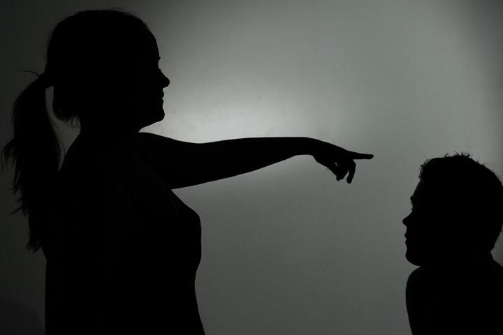 Auch immer mehr Männer werden zu Opfern. (Symbolbild)