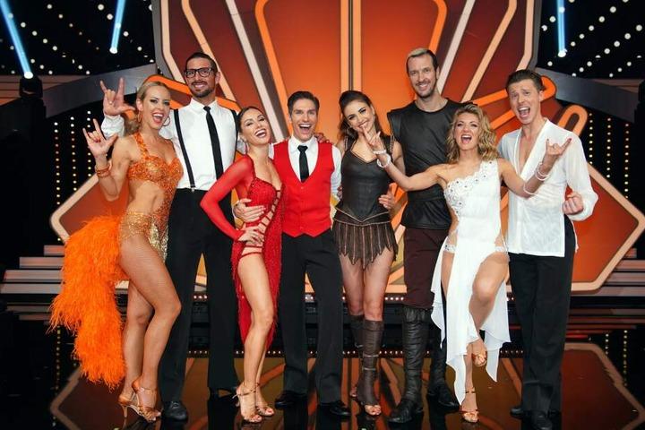 """Diese vier Paare haben das Halbfinale bei """"Let's Dance"""" erreicht."""