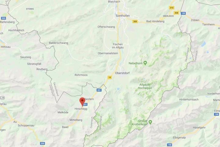 Bei Hirschegg in Österreich ist ein 62 Jahre alter Mann aus Bayern bei einem Sturz ums Leben gekommen.