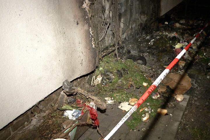 Am Viertelsweg brannten Müllcontainer, eine Hausfassade wurde beschädigt.