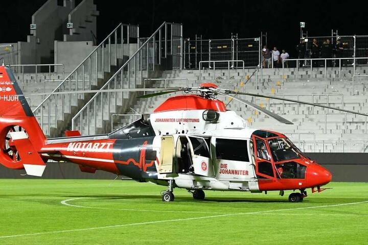 Mit dem Hubschrauber musste der Fan ins Krankenhaus gebracht werden.