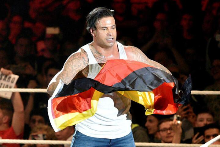Sogar eine Deutschland-Flagge fand sich nach dem Sie für Tim Wiese.