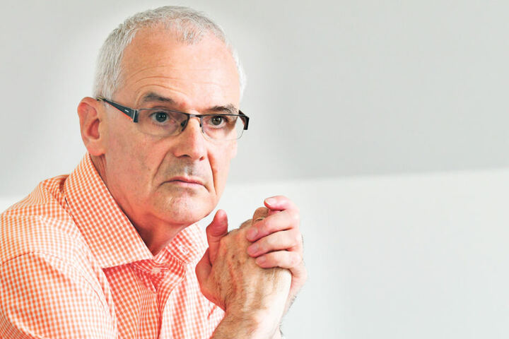 Mathias Wagner (63) vom Mieterverein Dresden bearbeitet etliche Fälle von  falschen Wohnlage-Einstufungen.