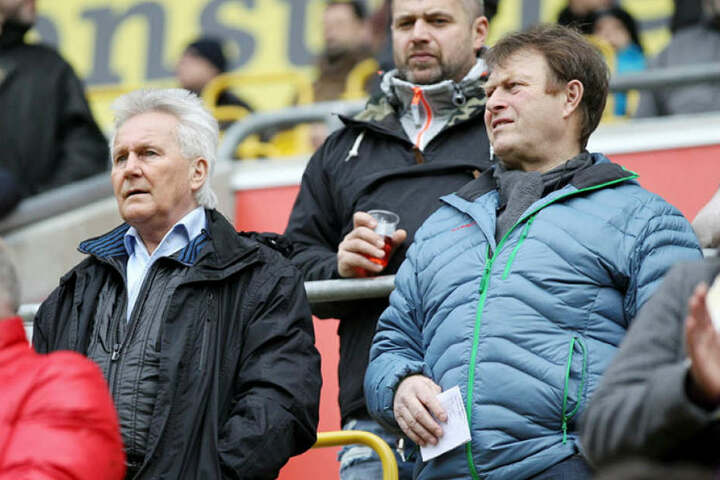 Reinhard Häfner und Udo Schmuck im Februar 2016 beim Dynamo Heimspiel gegen SV werder Bremen II.