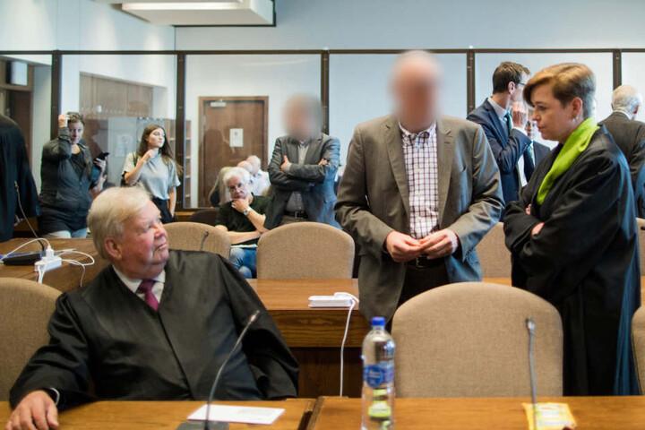 Der Prozess um den Einsturz des Kölner Stadtarchivs endete mit einer Bewährungsstrafe und zwei Freisprüchen.