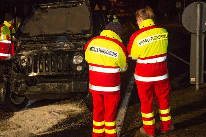 Der Verkehrsunfalldienst muss nun ermitteln, wie es zu dem gefährlichen Crash kommen konnte,.