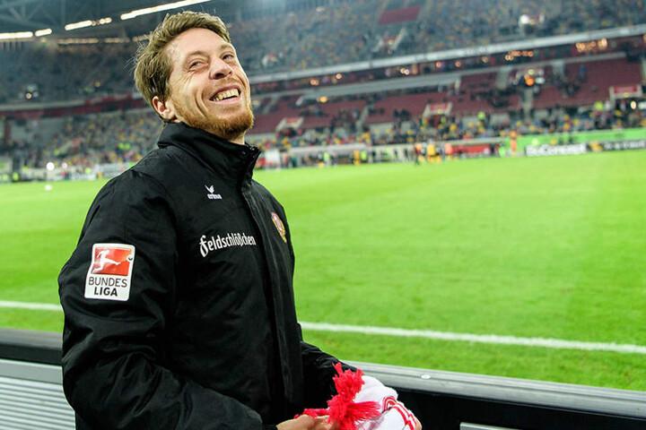 """""""Lumpi"""" freute sich vor, während und nach dem Spiel über den Besuch bei seinem alten Verein."""