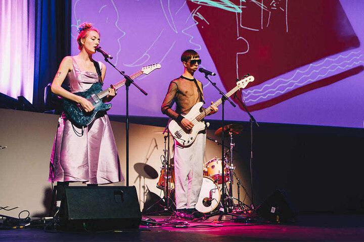 Die Indie-Band BLOND lieferte einen musikalischen Beitrag.