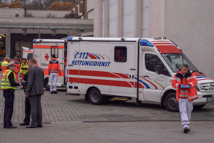 Insgesamt wurden zehn Menschen verletzt, sieben kamen ins Krankenhaus.