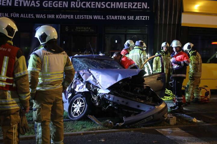 Der Ford-Fahrer musste verletzt in ein Krankenhaus.