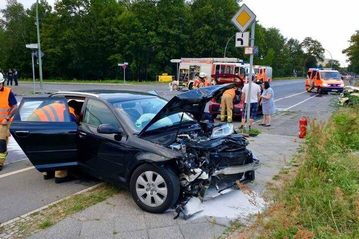 Bei dem Unfall wurden mehrere Airbags ausgelöst.