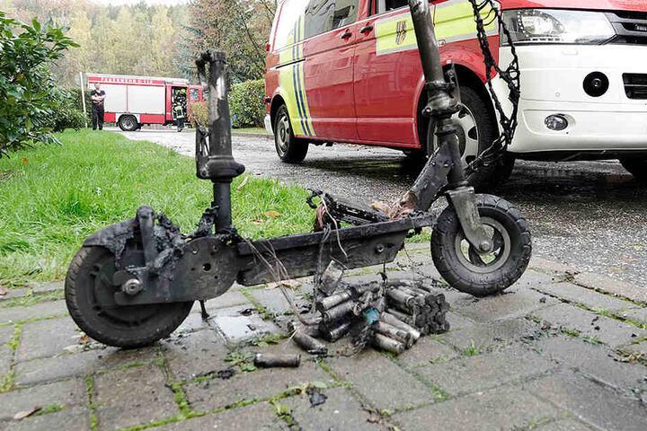 Der E-Scooter ist in einer Wohnung in Flammen aufgegangen. Offenbar ist der Akku explodiert.