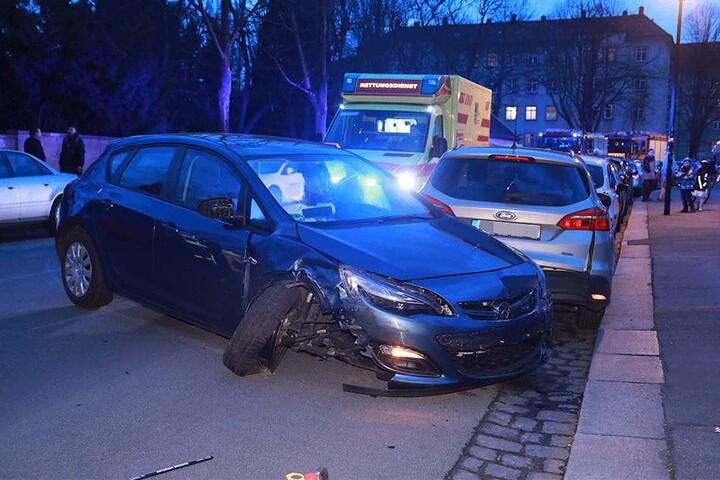 Das Fahrzeug wurde stark beschädigt.