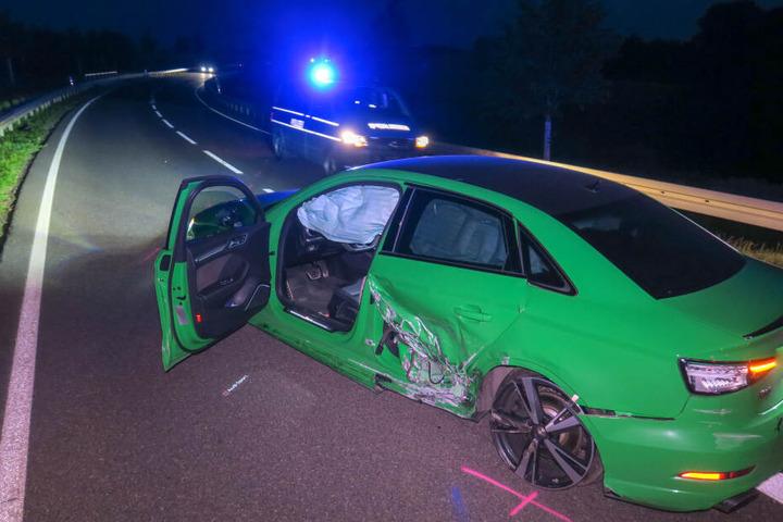 Beide Fahrer wurden bei dem Unfall leicht verletzt.