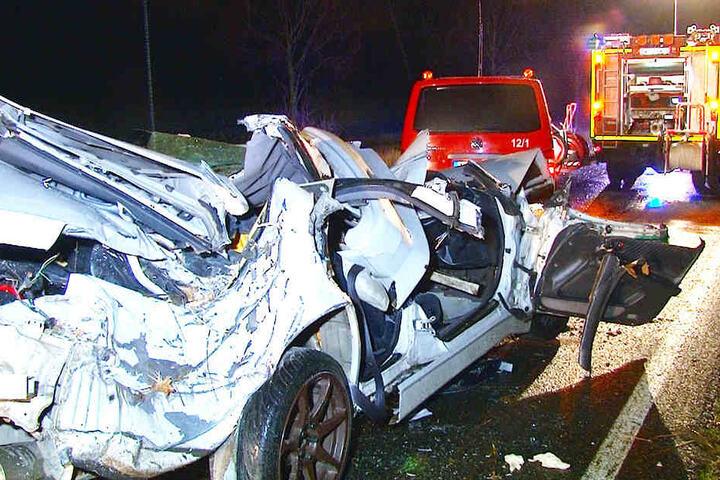 Direkt an der Ausfahrt Wolmirstedt passierte das Unglück.