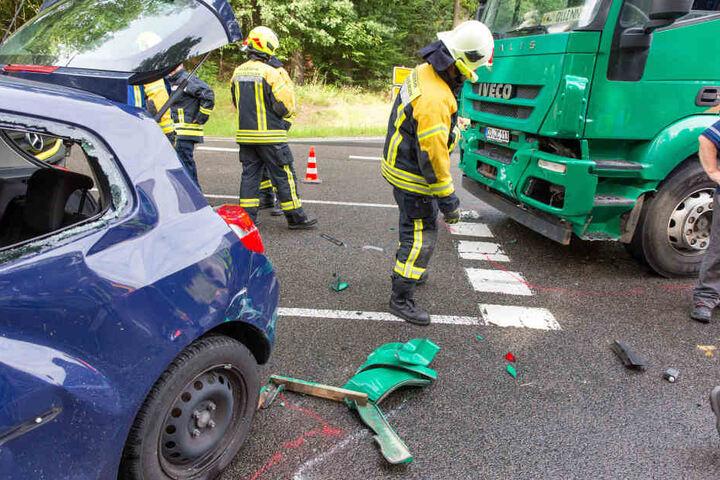Wegen des Unfalls musste die Ortsumgehungsstraße komplett gesperrt werden.