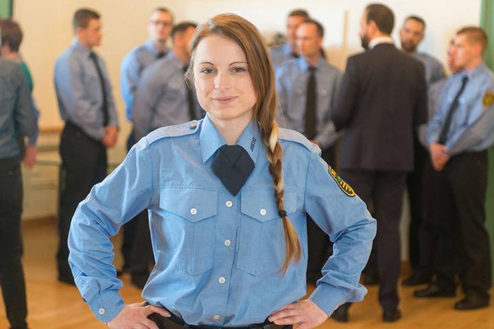 """Cindy Dubiel (28): """"Ich bin eigentlich Hotelfachfrau. Die Arbeit im Gefängnis ist zukunftssicher und abwechslungsreich. Die Gefangenen sind sehr respektvoll im Umgang."""""""