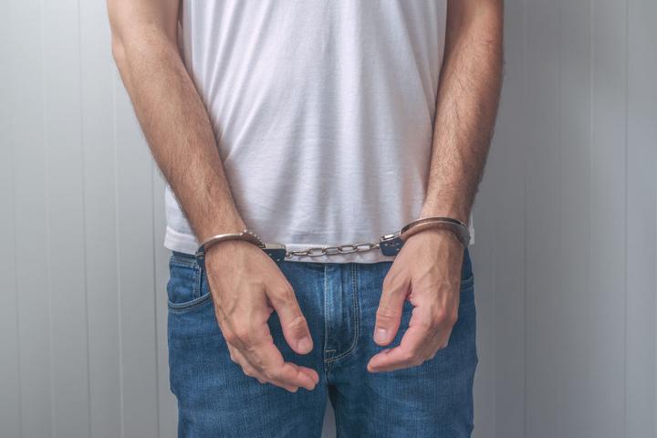 Nach dem vierten Diebstahl des Mannes (44) wurde er festgenommen (Symbolbild).