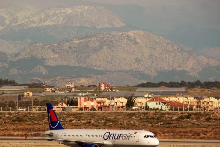 Es ist bekannt, dass sich der Landeanflug auf Antalya bei schlechtem Wetter schwierig gestalten kann.