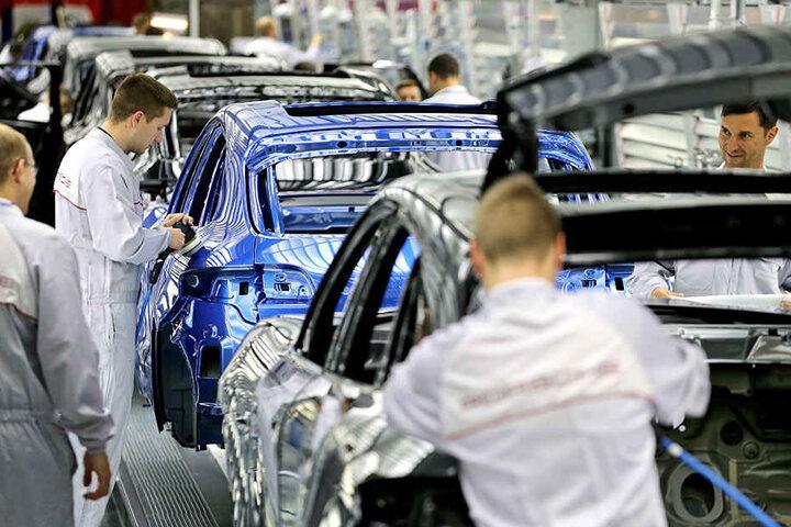 Der Fahrzeug- und Maschinenbau ist eine Männerdomäne - mit guten Verdienstmöglichkeiten. Bis zu 236 Euro mehr im Monat als Frauen verdienen sächsische Männer.