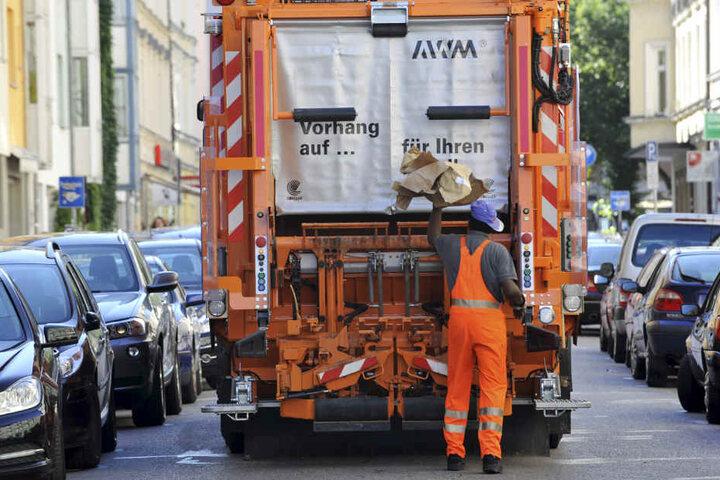 Die Müllabfuhr in Köln wird teurer. (Symbolbild)