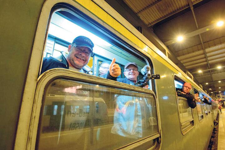200 Teilnehmer starteten am Samstag in Chemnitz mit der schnellsten Dampflok der  Welt zu einer Sonderfahrt nach Polen.