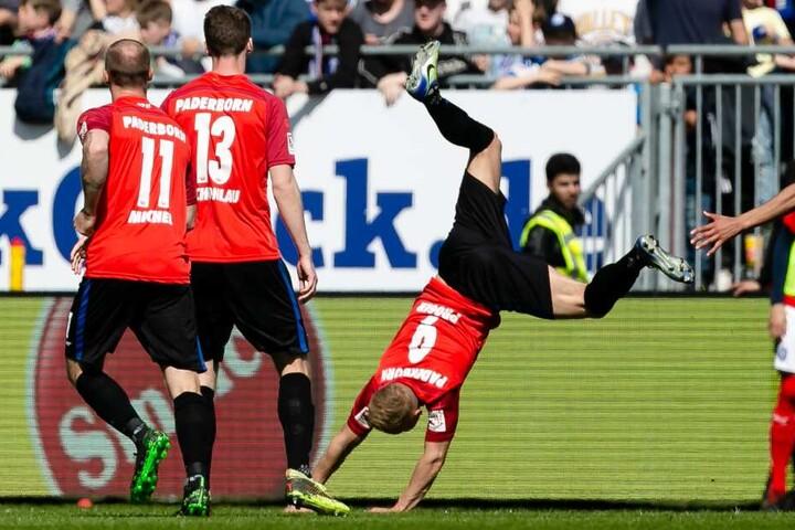 Kai Pröger (r.) feiert seinen Treffer zum 1:1-Ausgleich.