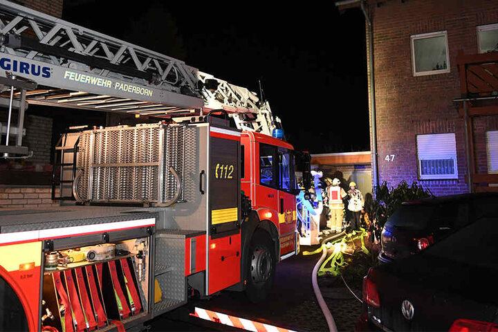 Die Feuerwehr rückte auch mit einem Leiterwagen an.