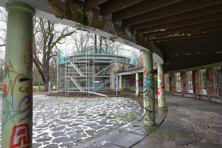 Bereits im Herbst wurde mit der Instandsetzung des Schloßteichpavillons begonnen.