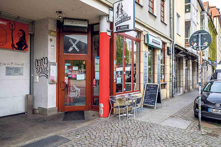 Die weithin sichtbare Außenwerbung möchte Wirt Jentschke am liebsten als  Erinnerung an sein Restaurant behalten.