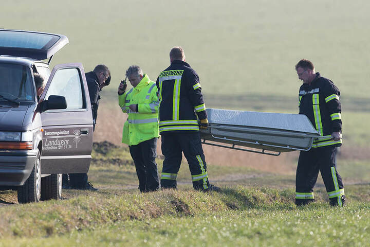 Der Pilot verstarb noch am Unglücksort.