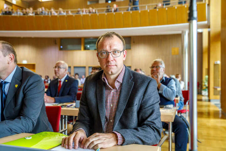 Holger Hase (43, FDP).