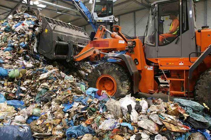 Rund 34000 Tonnen Abfall jährlich fallen in Chemnitz an. Eins Energie überlegt jetzt eine Verbrennungsanlage.