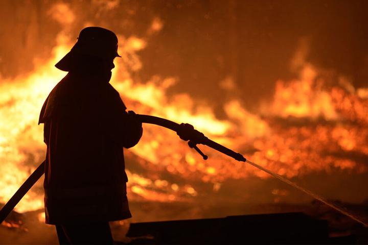 Um viele freiwillige Feuerwehren steht es schlecht. Brandbekämpfer will kaum noch jemand sein.