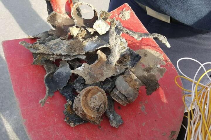 Dieses Häufchen Metall blieb letztlich von der Phosphorbombe übrig.