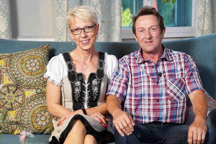Annett (43) und Bauer Bernhard (53) werden eine Woche zusammen auf dem Hof des Schwaben verbringen.