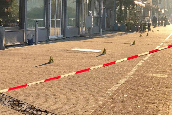 Der Tatort in Nürnberg ist nach dem Übergriff von der Polizei abgesperrt worden.