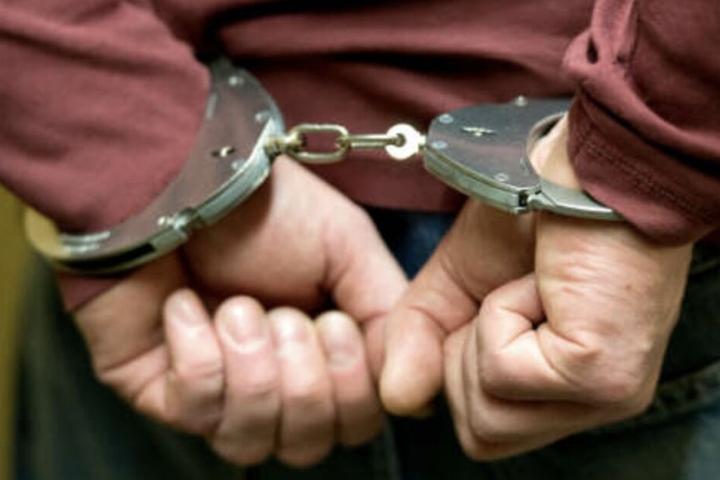 Der 32-Jährige befindet sich aktuell in Polizeigewahrsam.