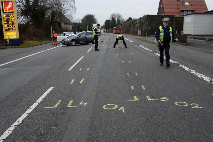 Die Polizei sperrte die B68 zur Spurensicherung ab.
