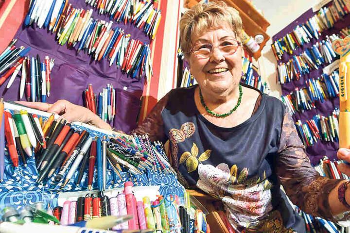Ihre Kulis verteilt sie auf zwei Zimmer: Die 79-Jährige sammelt seit gut sechs Jahren.