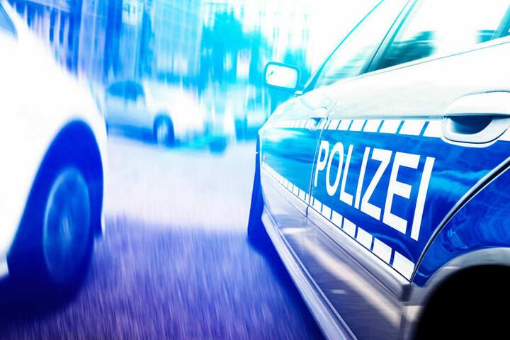 Eine Polizistin wurde bei dem Auffahrunfall verletzt (Symbolbild).